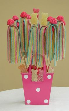 Discover thousands of images about Sweets - pink Bon Bon Candy Party Favors, Candy Gifts, Party Treats, Candy Kabobs, Sweet Trees, Candy Cakes, Festa Party, Chocolate Bouquet, Candy Bouquet