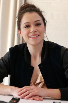 Tatiana Maslany  #TatianaMaslany Orphan Black Press Conference in West Hollywood 23/03/2017 Celebstills Tatiana Maslany