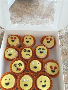 Emoji cupcakes Birthday Cupcakes, Emoji, Cookies, Party, Desserts, Food, Anniversary Cupcakes, Crack Crackers, Tailgate Desserts