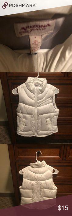 White vest Size medium, perfect condition Tops