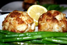 Three Ocean City Restaurants Make USA Today's Best Crab Cake Sandwiches in Maryland List - DelmarvaLife