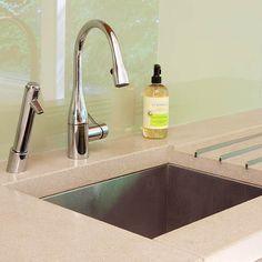 faucet, h2o filtration, drainboard -- Sleek and Functional