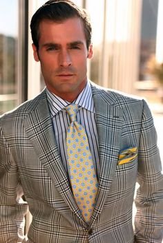Luxury & Vintage Madrid, offers you the best selection of contemporary and vintage clothing in the world. Sharp Dressed Man, Well Dressed Men, Mens Fashion Suits, Mens Suits, Men's Fashion, Men Street, Suit And Tie, Sports Jacket, Men Dress