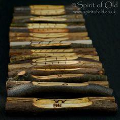 25 woods Corresponding Ogham staves - Pagan divination set, Druid ogham set, Wicca ogham sticks, natural Wicca rune ogham gift, natural gift