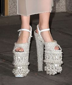 Gigantic pearl shoes worn by none other than Lady Gaga ~ Funny Shoes, Cute Shoes, Me Too Shoes, Lady Gaga Shoes, Crazy High Heels, Shoe Boots, Shoes Heels, Pearl Shoes, Unique Shoes