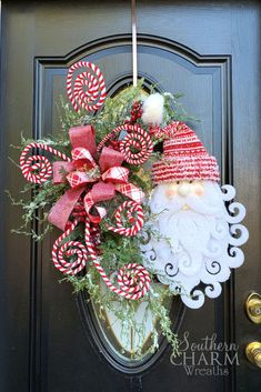 In this video, learn to make a show stopper of a door wreath using the Southern Charm Wreaths proven techniques. This Santa Christmas wreath for front door will be amazing on your door or to list in your Etsy shop! Christmas Staircase Decor, Christmas Wreaths For Front Door, Christmas Table Decorations, Door Wreaths, Holiday Wreaths, Holiday Decor, Winter Wreaths, Yarn Wreaths, Floral Wreaths