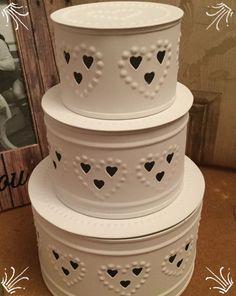 Set of three circular nesting tins - white - hearts