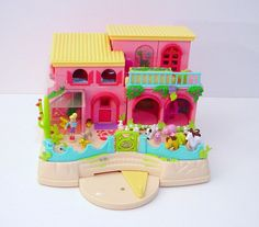 favorite toy, polly pocket ranch, wish I had this one My Childhood Memories, Childhood Toys, Great Memories, Polly Pocket World, Girl Posters, 90s Toys, Christmas Toys, Toy Boxes, Toddler Toys