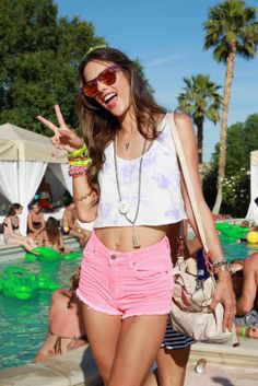 33 fun pictures from Coachella pool parties!