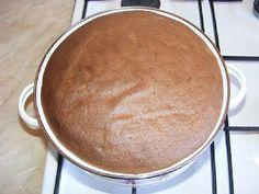 Preparare crema de zahar ars cu pandispan Griddle Pan, Cornbread, Cake Recipes, Caramel, Ethnic Recipes, Smoothie, Food, Millet Bread, Sticky Toffee