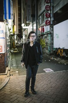 Skrillex!! Love that he's in asian territory in this pic! ❤