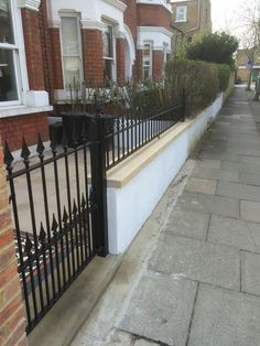 garden-ideas Black cast iron gate and railings in London front garden. At the moment, the small fron Garden Railings, Gates And Railings, Garden Gates, Edwardian House, Victorian Terrace, Cast Iron Gates, Small Front Gardens, Garden Stand, House Front