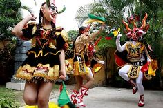 Bolivia Presente, Embajada Consulado de Bolivia en Venezuela Bolivianos reclaman propiedad de la danza Diablada de Oruro Bolivia, Fair Grounds, Carnival, Gift, Venezuela