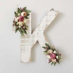 Ideas Dorm Door Decorations Diy Floral Letters For 2019 Baby Name Letters, Diy Letters, Flower Letters, Letter A Crafts, Nursery Letters, Nursery Monogram, Floral Nursery, Nursery Decor, Girl Nursery
