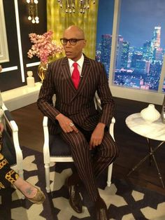 Fashion News, Pictures, and Videos S Club 7, Suit Shirts, Fashion News, Fashion Trends, Rupaul, Men's Collection, Bob Hairstyles, Actors & Actresses, Celebrity Style
