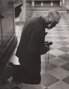 Martin Martinček: V kostole - 1975 Prayer Corner, Catholic Pictures, Mom Prayers, Christian Religions, Saint Quotes, Godly Man, Catholic Saints, Mother Mary, Cristiano