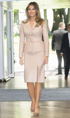 Melania Trump wears a bespoke Maison Ullens jacket and skirt with snakeskin Manolo Blahnik pumps during a visit to the Queen Fabiola Children's Hospital in Brussels on May Fashion Photo, Fashion Models, Milania Trump Style, Tan Skirt, Skirt Suit, Donald And Melania, Snake Skin Shoes, Estilo Real, Manolo Blahnik Heels