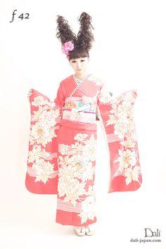 ピンクにお花のアンティークお着物の ダリの成人式お着物レンタル