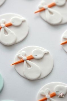 Stork Baby Shower Cupcake Toppers {How To} Baby Cookies_ Stork_Fondant sweetopia. Baby Cakes, Baby Shower Cakes, Stork Baby Showers, Baby Stork, Baby Baby, Pink Cakes, Baby Shower Biscuits, Shower Baby, Fondant Cupcake Toppers