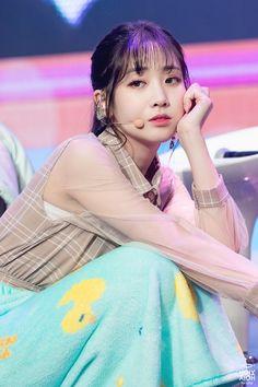 """트위터의 유지애 팬봇 ㅎ_ㅎ 님: """"180423 치유 쇼케이스 직찍 📷 #Lovelyz #러블리즈 #유지애 #지애 #JIAE ©HolyJiae ©Lvlz_19930521… """" Pop Group, Girl Group, Jin, Group Roles, Seo Jisoo, Lovelyz Jiae, Photo P, Woollim Entertainment, Best Face Products"""
