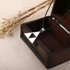 2015 Special Offer Pendant Necklaces Collares Anime The Legend Of Zelda Triforce Necklace Metal Zelda Pendant Free Shipping-in Pendant Necklaces from Jewelry on Aliexpress.com | Alibaba Group