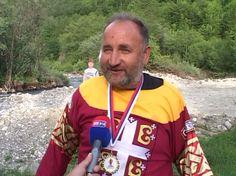 Блажо постао српски витез (видео) - http://www.srbijadanas.net/blazo-postao-srpski-vitez-video/