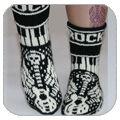 Klikk på bildet for å se større Crochet Socks, Knitting Socks, Knit Crochet, Knitting Projects, Crochet Projects, Minion Baby, Fluffy Socks, Knitting Patterns Free, Sock Shoes