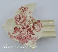 Rare Red Transferware Bird Sparrow Shaped Pin Dish Spoon Rest or Ash Tray Charlotte England Basket of Flowers transferware dishes Vintage China, Vintage Love, Red And Pink, Red And White, Hanging Plates, Kitchen Witch, Room Pictures, Flower Basket, Spoon Rest