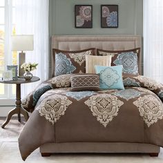 Bedding Sets California King - Find the Best California King Bed Sets here at Home Decorating Co. View our great prices on California King Bedding Sets Now! Best Bedding Sets, Comforter Sets, King Comforter, Brown Comforter, King Size Comforters, Rustic Decorative Pillows, California King Bedding, My New Room, Bed Spreads