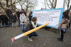 Foto's van de opening in Amsterdam (23 jan 2017) – Vermeld bij gebruik: De Schoolschrijver door Chris van Houts.