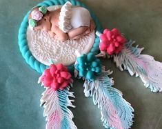 Dream catcher baby shower cake topper CREATE A BEAUTIFUL CAKE AT HOME••• Our fondant cake toppers make designing your own special cake super easy! Choose one on our site and personalize it to your colors or have one made just for you! Fondant Cake Toppers, Fondant Figures, Princess Cake Toppers, Girly Cakes, Bear Cakes, Sugar Art, Baby Shower Cakes, Custom Cakes, Beautiful Cakes
