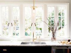 how-to-cook-in-an-airbnb-11-essential-tips-1686659-1457304829.640x0c