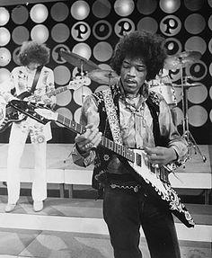 Jimi Hendrix & a Gibson flying v