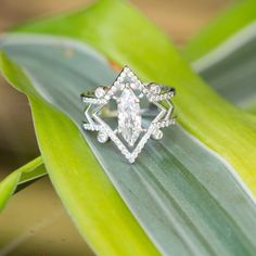 55 Antique Emerald Halo Diamond Engagement Ring 2019 - Hairstyles for Women Marquise Ring, Halo Diamond Engagement Ring, Vintage Engagement Rings, Oval Engagement, Art Deco Jewelry, Fine Jewelry, Jewelry Rings, Bridal Rings, Wedding Rings