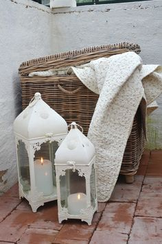 ♡love the basket for extra storage...the candle lantern are useful as well as decorative....