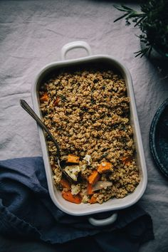 Herb & Garlic Vegetable Crumble First Bread Recipe, Vegetarian Recipes, Healthy Recipes, Savoury Recipes, Vegan Meals, Vegan Food, B Recipe, Recipe List, Crumble Recipe