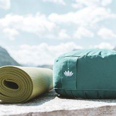 🧘🏼 ꫀⅈꪀ ꪖ𝕥ꪑꫀꪀ - ᠻ𝕣ꫀⅈ ꪖ𝕥ꪑꫀꪀ - ᧁꫀડꪊꪀᦔ ꪖ𝕥ꪑꫀꪀ 🧘🏼 Die richtige Atemtechnik kann heilen, Schmerzen lindern, Verdauungsstörungen beheben und das Gehirn und Immunsystem stärken. ✨ Je besser die Zellen nämlich mit Sauerstoff versorgt sind und je effektiver der Abtransport von Giftstoffen vollzogen wird, desto stärker und gesünder fühlen wir uns - sowohl körperlich als auch geistig. 💫 Katja Oestreicher ist ein Coach bei uns am Goldenen Berg und hat für euch eine kleine Atemschule… Berg, Brain, Immune System, Breathing Techniques