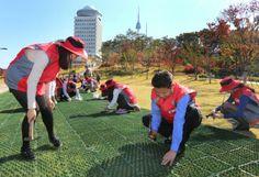 LG상록재단, 전국 주요 사업장의 임직원들이 참여하는 `LG와 함께하는 환경사랑 캠페인` 개최