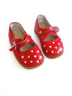 vintage girls red leather shoes by GrandpasTreasury on etsy