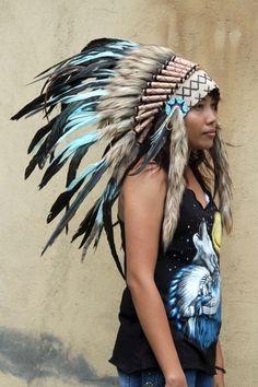 Turquoise indien coiffe inspirée, style amérindien warbonnet courte longueur, boho coiffe de plumes