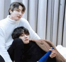 Animated gif shared by Golden Idol⁷˚✯ ੈ ༄. Find images and videos about gif, bts and jungkook on We Heart It - the app to get lost in what you love. Vkook Gif, Vkook Memes, Vkook Fanart, Jhope Gif, Jikook, Foto Bts, Namjin, Yoonmin, K Pop