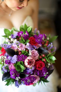How gorgeous is this bride's bouquet? The colours! Absolutely swoon-worthy!