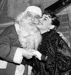 9 Retro Pictures of Our Favorite It Girls Celebrating Christmas via @WhoWhatWearUK
