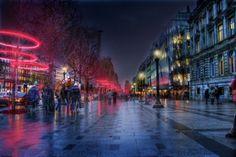 Lumières de Noël sur les Champs-Elysées à Paris