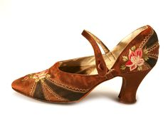 Vintage Shoes Copper Color Satin Strap Shoes, decorated with Flower Embroidery, French, - 1920s Shoes, Vintage Shoes, Vintage Accessories, Vintage Outfits, Fashion Accessories, Vintage Clothing, 20s Fashion, Art Deco Fashion, Fashion History
