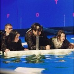Monarchs of Narnia behind the scenes! WHAAAAA?!?!? So that's what that river REALLY looks like! I can hear my heart breaking! :(