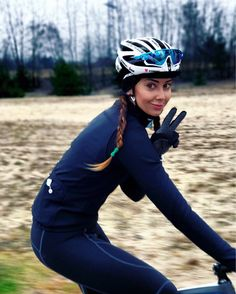 How to enjoy winter cycling? Choose LaClassica wear and make your rides warm and stilish!