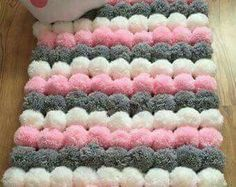 Soft Star Pom Pom rug by Kpompommakes on Etsy - Best Diy Projects Diy Pom Pom Rug, Pom Pom Crafts, Yarn Crafts, Home Crafts, Fabric Crafts, Diy And Crafts, Diy Room Decor, Craft Projects, Tulle Projects