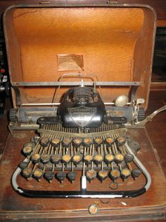Blickensderfer No. 7 #7 Antique Typewriter. Circa early 1900s.