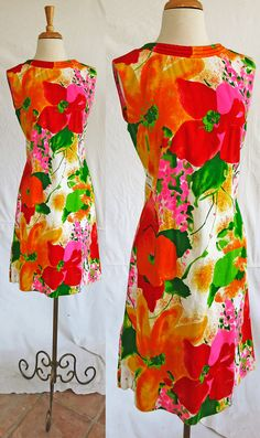 Alice of California 1960s short sleeveless cotton dress large floral print